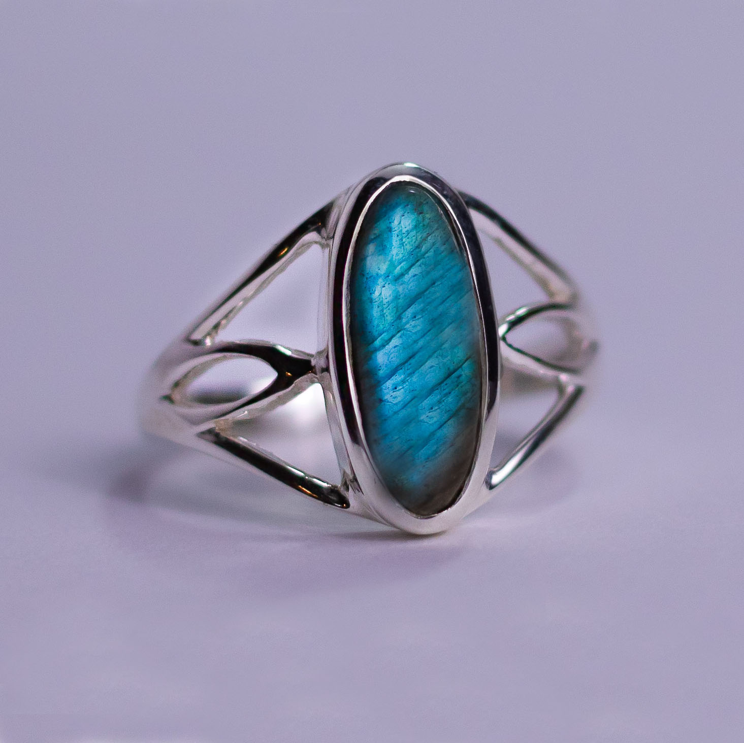 Labradorite Glowing Ring